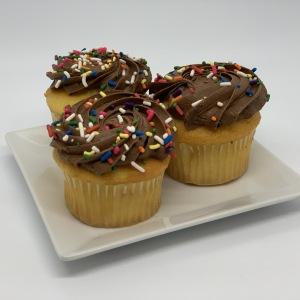 Cupcakes-2-Vanilla-Choc-Fudge
