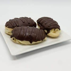 5-Small-Pastries-Eclair-REPLACE