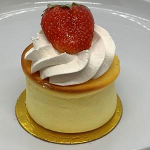 Lg-Pastries-15-Cheesecake