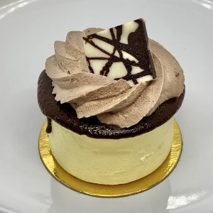 Lg-Pastries-17-Marble-Cheesecake